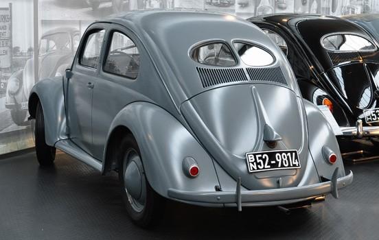 Car15-1-1943-1-018586-Type-60-Body-AutoMuseum-Volkswagen-1